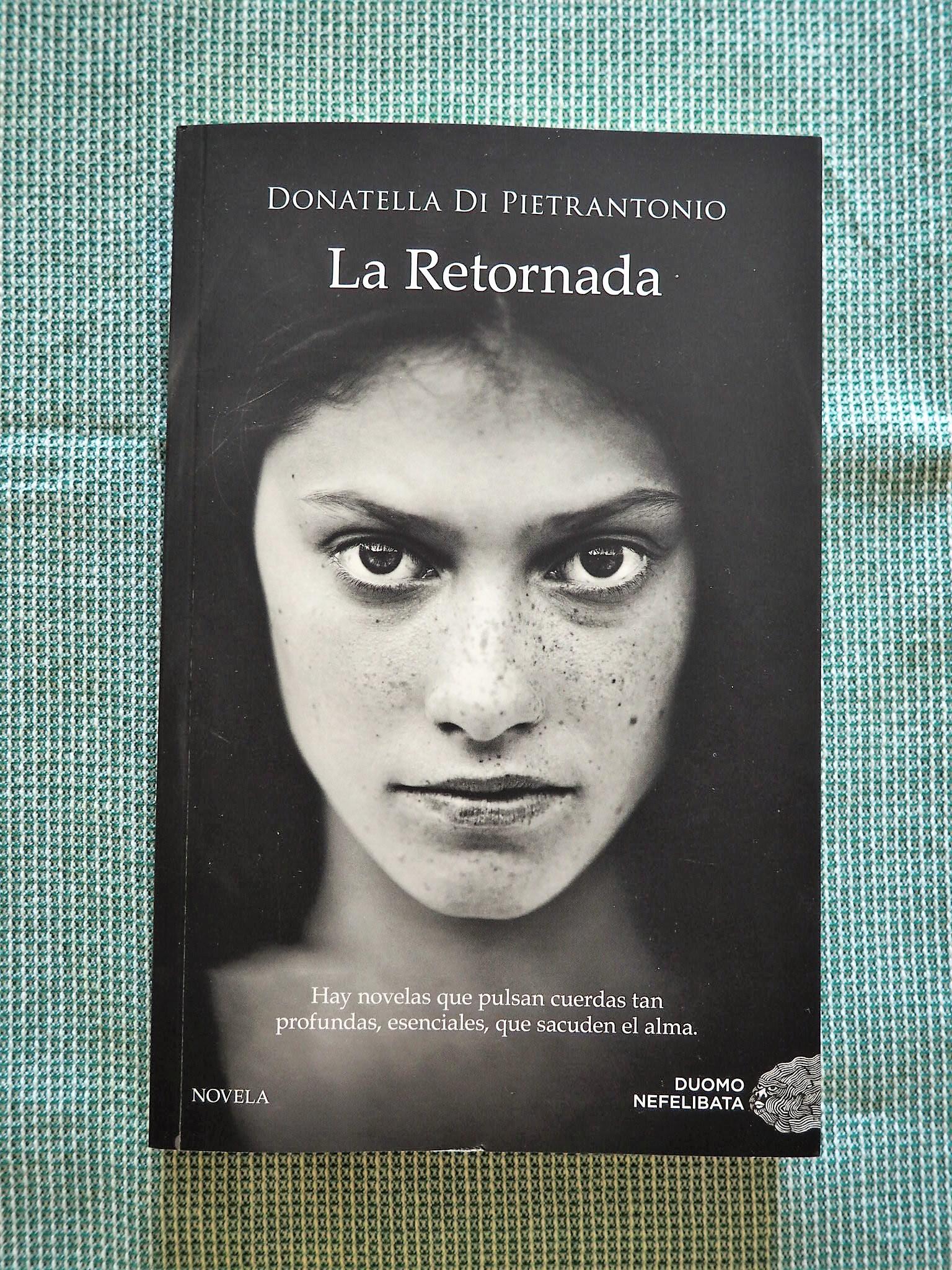 Una de les lectures que em va acompanyar els primers dies de vacances i que  acaba d'arribar a la llibreria és La retornada, una novel·la narrada en  primera ...